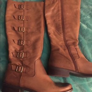 BCBG leather boots